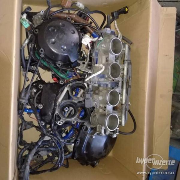 Kawasaki zzr 1400 zx-14R