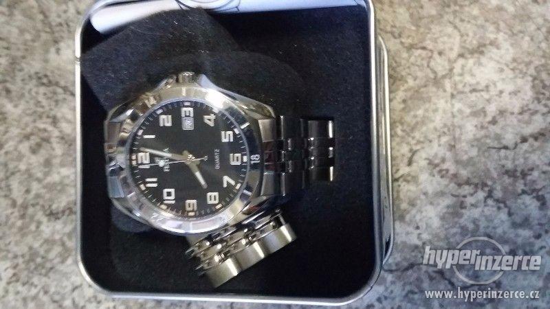Nové pánské hodinky zn FESTINA