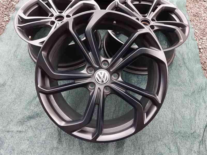 Alu disky Volkswagen Golf VII R R19 Reifnitz