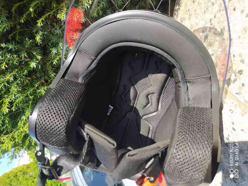 helma na moto levně - foto 9