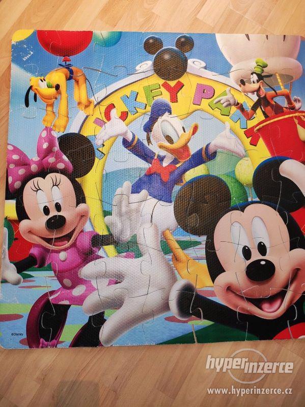 Pěnové puzzle Disney.