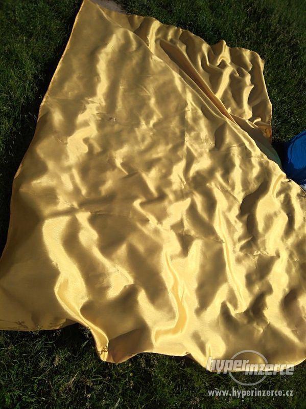 Cena: 399 Kč Látka barva zlaté. Cena 399 kč. 230x150 cm - foto 2