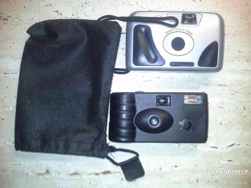 """Prodám 2 """"jednorázové"""" fotoaparáty s brašničkou"""