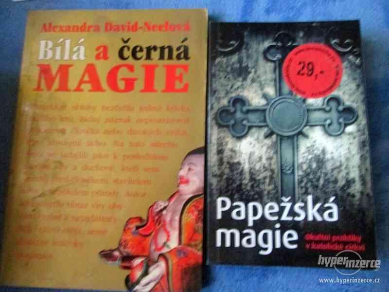 Knihy - foto 10