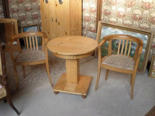 stolek + 2 křesílka