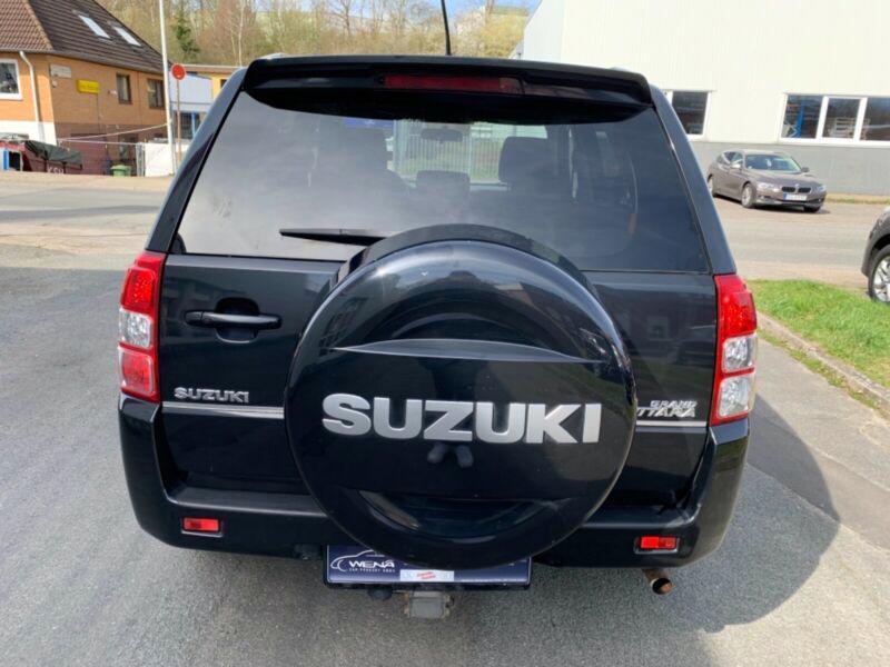 Suzuki Grand Vitara 2.4 Aut. benzín 124kw - foto 16