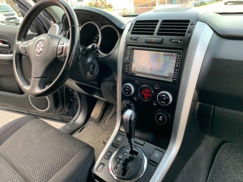 Suzuki Grand Vitara 2.4 Aut. benzín 124kw - foto 4