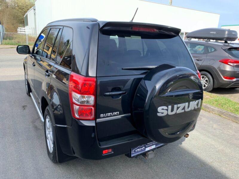 Suzuki Grand Vitara 2.4 Aut. benzín 124kw - foto 11