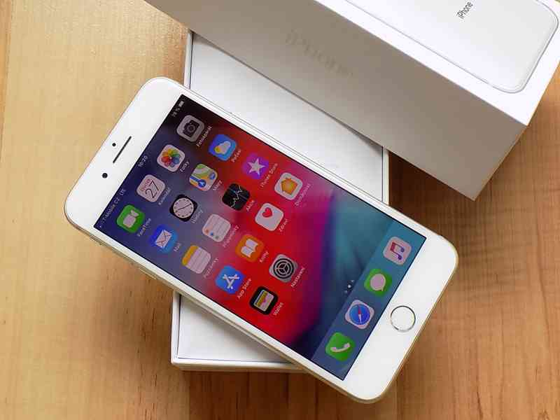 APPLE iPhone 8 PLUS 256GB Silver - TOP STAV - foto 3