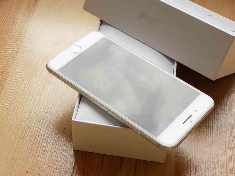 APPLE iPhone 8 PLUS 256GB Silver - TOP STAV - foto 5