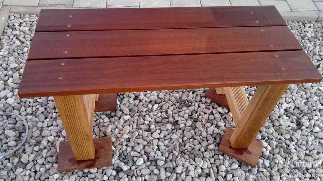 Prodám luxusní lavičku z merbau 105cm X 44cm X44cm