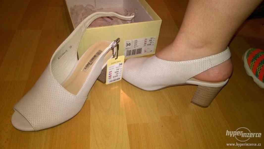 Zcela nové módní boty na podpatku značky CCC - foto 1