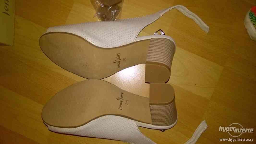 Zcela nové módní boty na podpatku značky CCC - foto 3