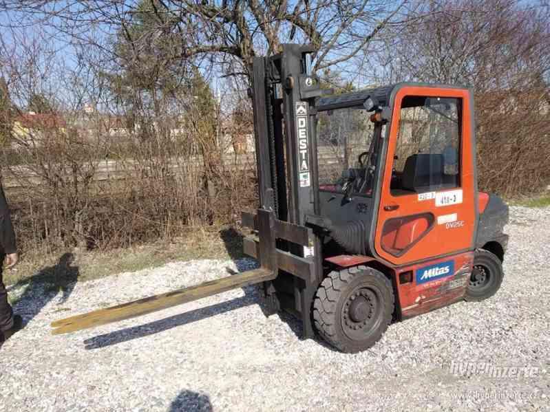 Vysokozdvižný vozík (VZV) Desta DV25C