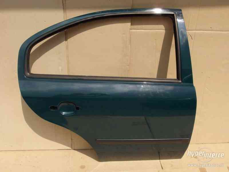 Pravé zadní dveře Škoda Octavia I hatchback - foto 1