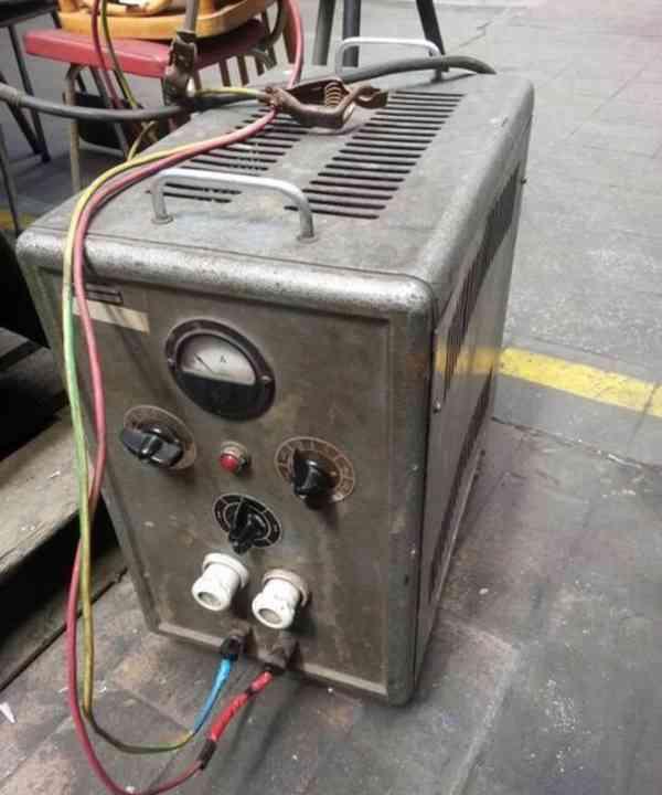 Nabíječka baterií VJM 24 72/15 ru (4453.) - foto 2