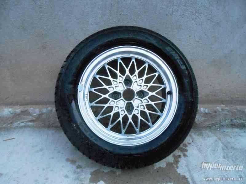 alu kola r15 s úplně novými pneu
