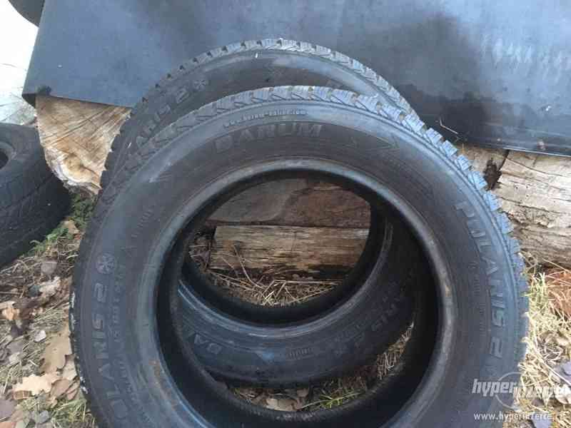 Různé pneumatiky a disky