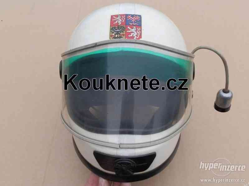 Koupím starou policejní VB helmu, moto rajtky, bundu - foto 2
