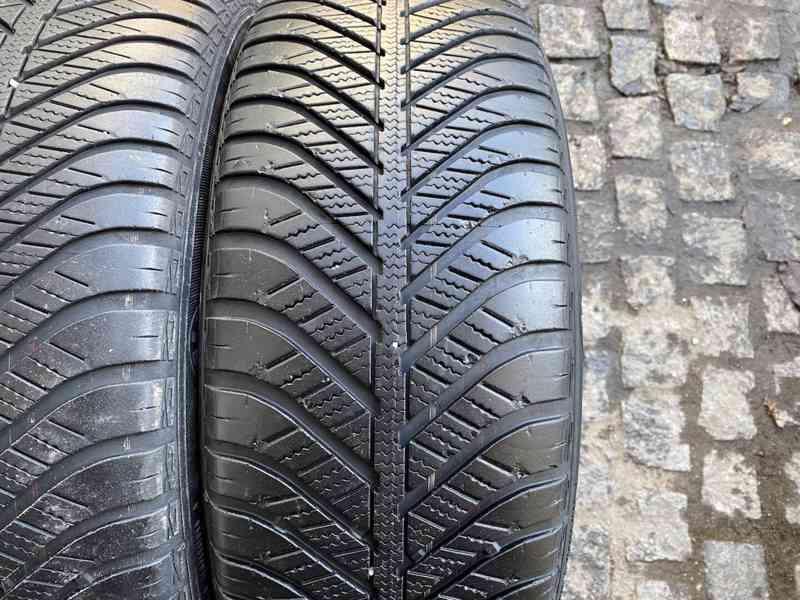 215 60 16 R16 celoroční pneu Goodyear Vector  - foto 3