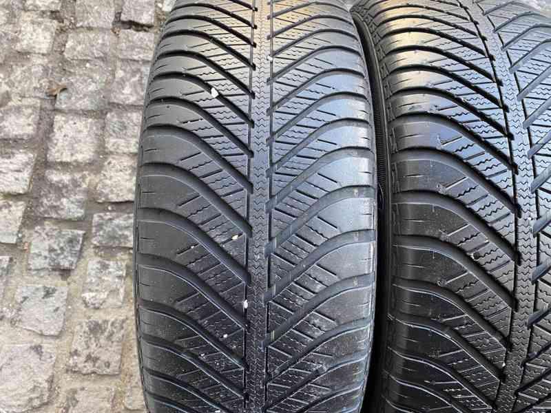 215 60 16 R16 celoroční pneu Goodyear Vector  - foto 2