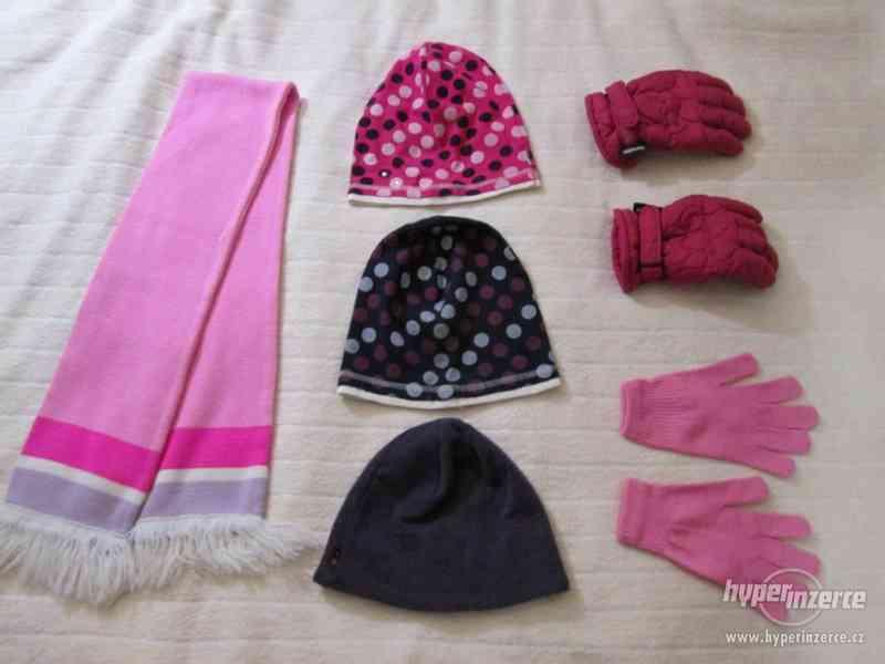 Zimní čepice, šála, rukavice – dívčí komplet – 6 kusů - foto 1
