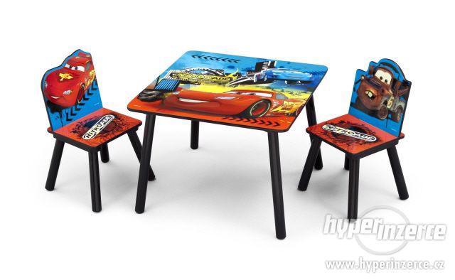 Dětský stoleček a 2 židličky Disney Cars