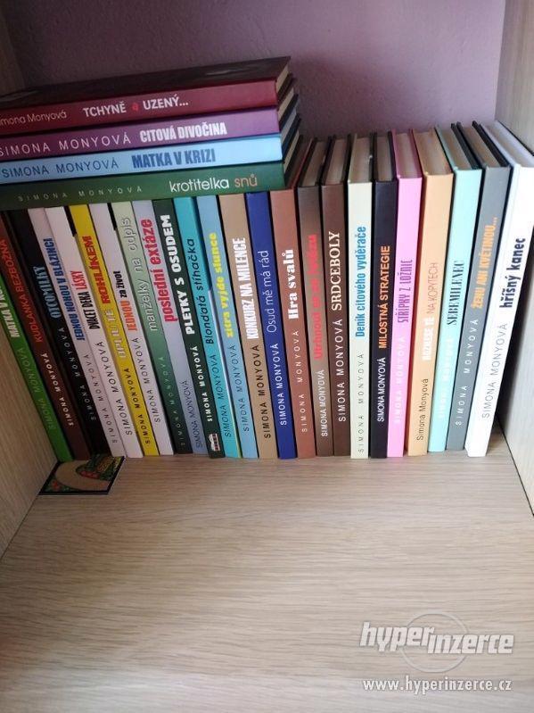 Knihy - foto 12
