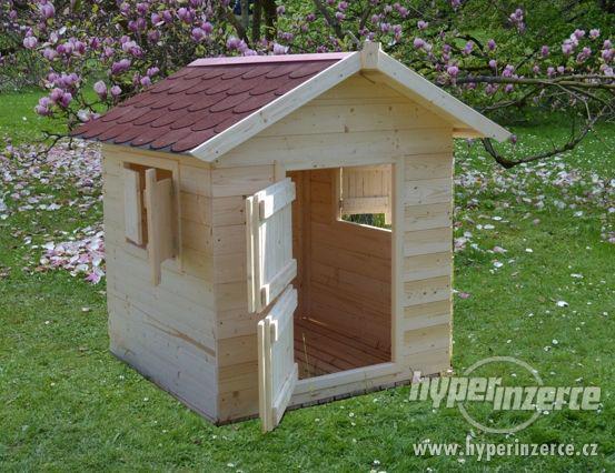 Prodám dětský dřevený domeček