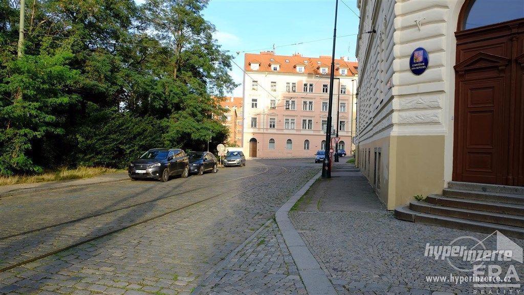 Pronájem krásného, světlého bytu 2+1, 54 m?, v atraktivní lokalitě Hradčan   ul. Keplerova,Praha 1