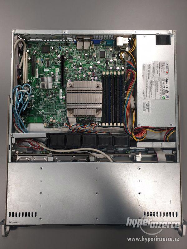 server Supermicro X8SIE, Intel Xeon Quad 2,4 GHz, 4 Core