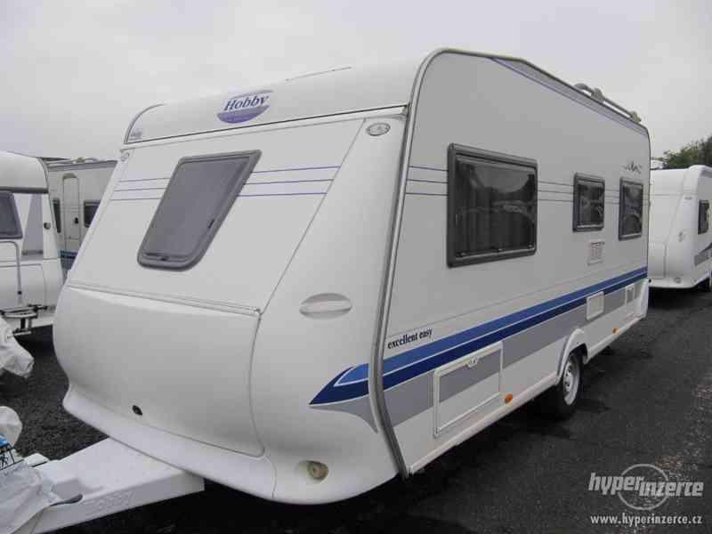 Prodám karavan Hobby 495 ufe, model 2005 + před stan. - foto 3