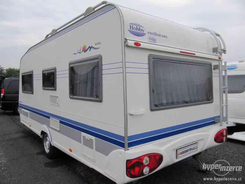 Prodám karavan Hobby 495 ufe, model 2005 + před stan. - foto 4