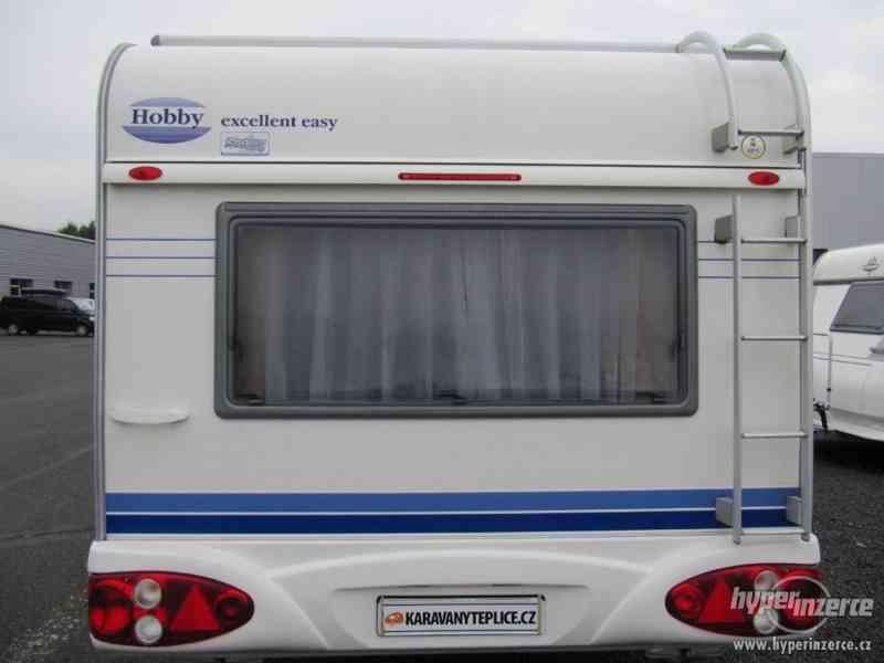 Prodám karavan Hobby 495 ufe, model 2005 + před stan. - foto 5