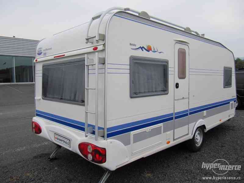 Prodám karavan Hobby 495 ufe, model 2005 + před stan. - foto 6