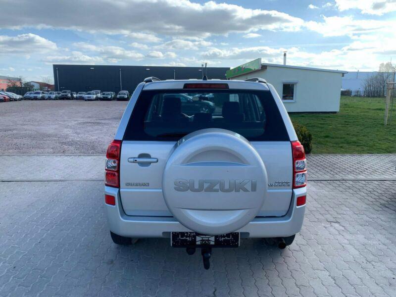 Suzuki Grand Vitara 2.4 Comfort Aut. benzín 124kw - foto 13