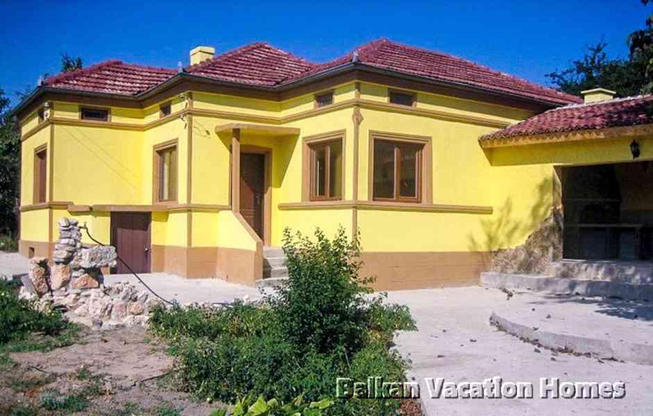 Plně zrekonstruovaný dům nedaleko Dobrichu -Bulharsko