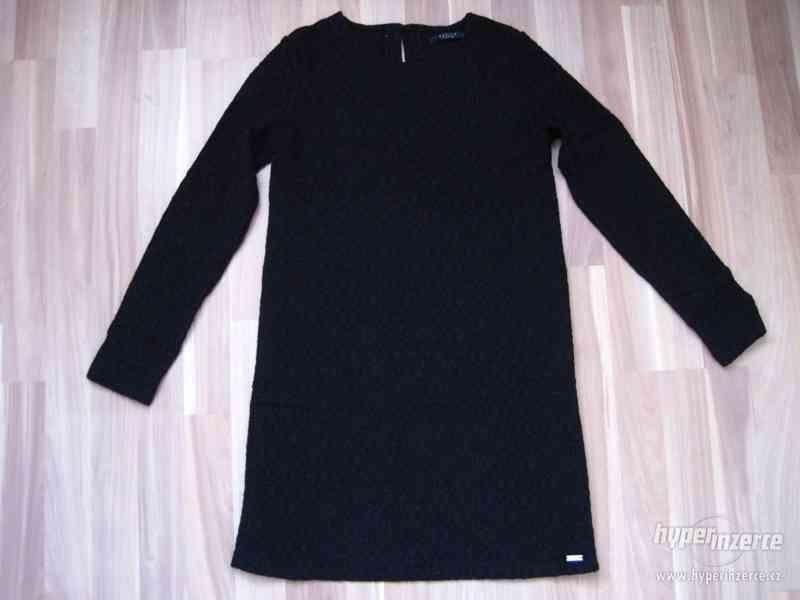 Černé šaty MOHITO vel. XS