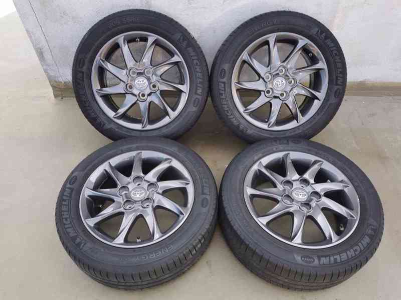 205/55R16 letní pneu alu TOYOTA COROLLA 6,5x16 5x114,3 ET45