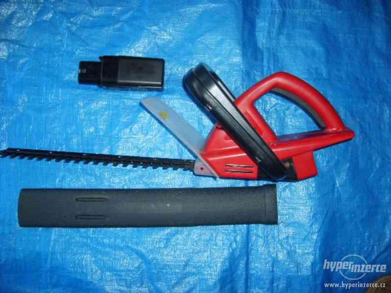 Plotové akumulátorové nůžky - foto 2