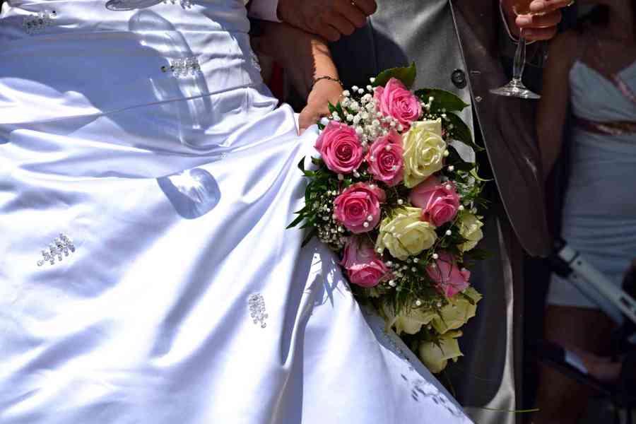 Svatební šaty - foto 3
