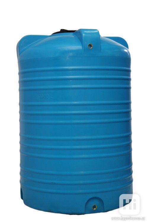 Plastová nádrž 60 - 10 000 L (zásobník na vodu) - foto 2