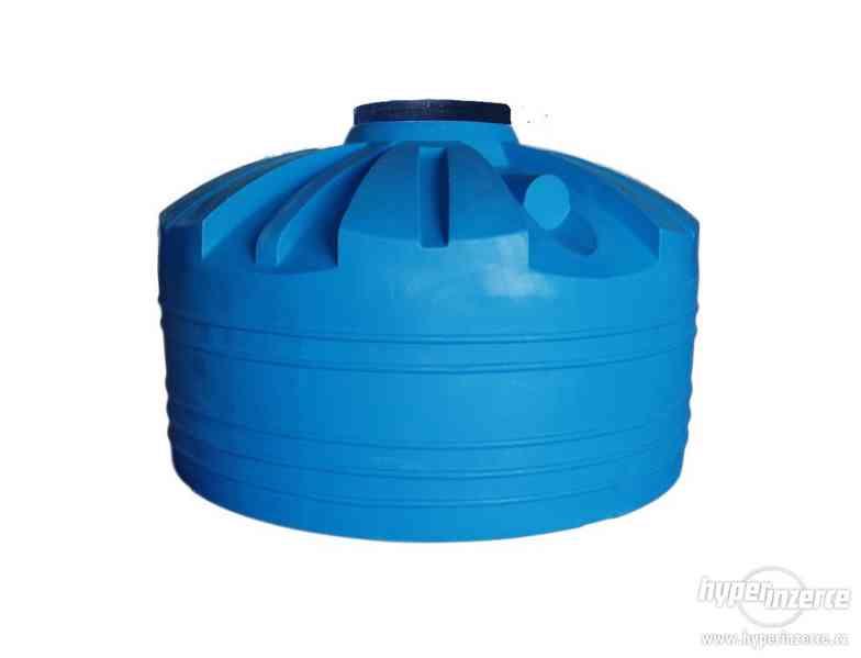 Plastová nádrž 60 - 10 000 L (zásobník na vodu) - foto 3