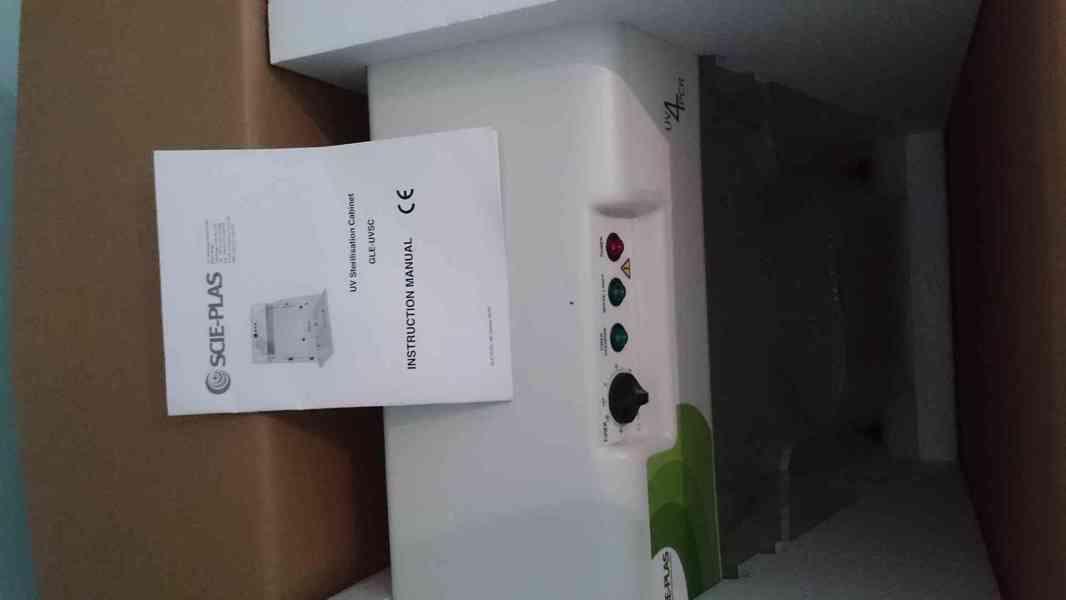 PCR box