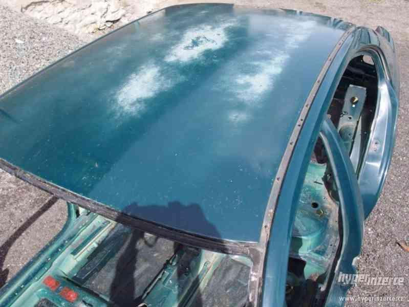 Havarovaný skelet karoserie Škoda Octavia I hatchback - foto 16