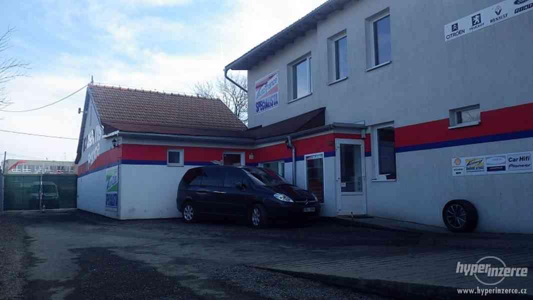 Víceúčelový areál autoservisu v Brně