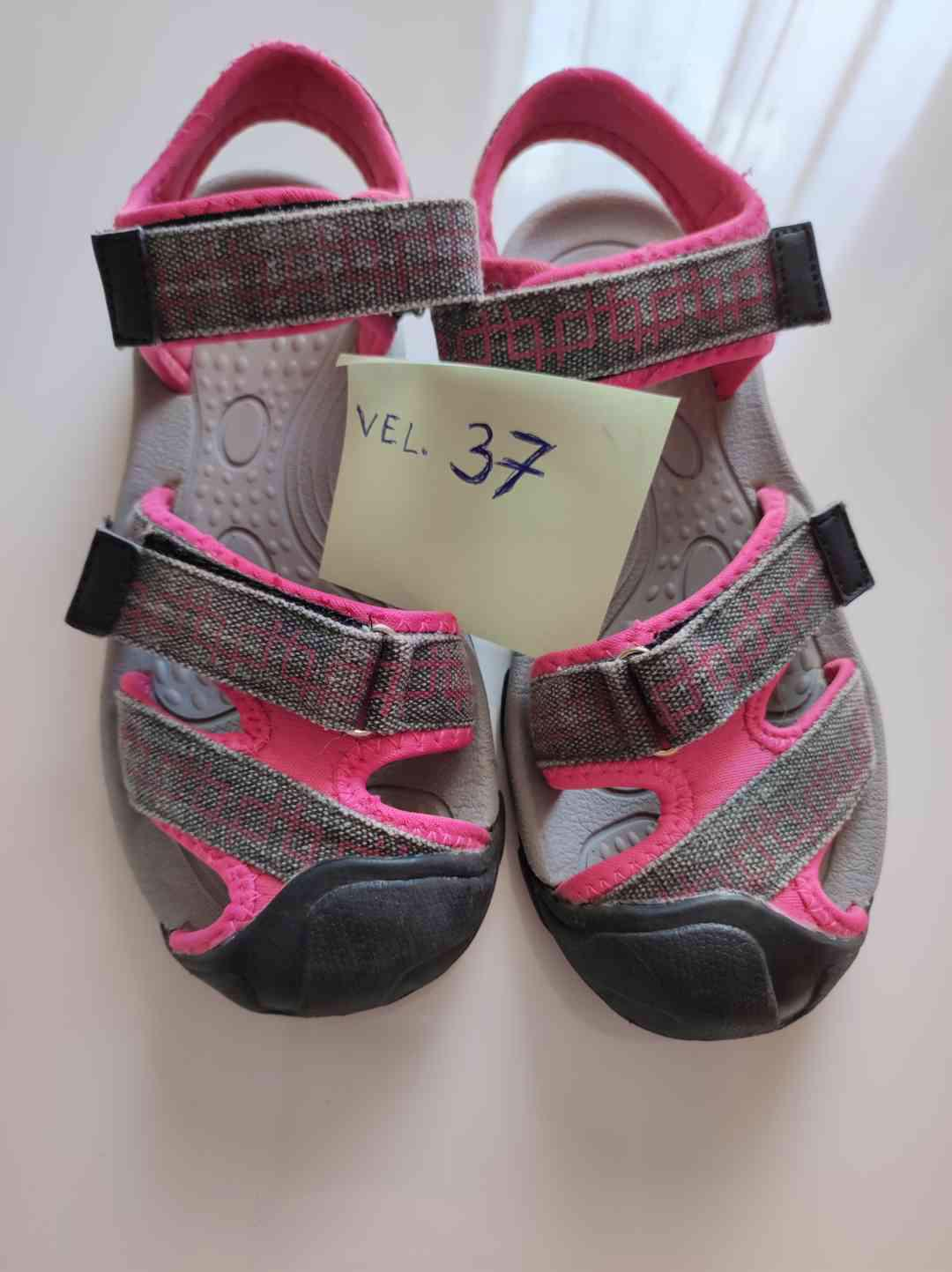 Sandály že Sportisima - foto 1