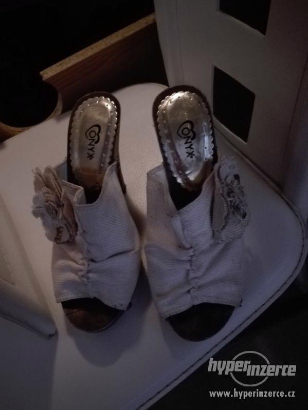 Damske pantofle