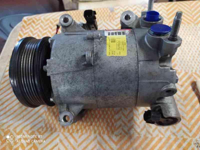 kompresor klimatizace Ford  - foto 3