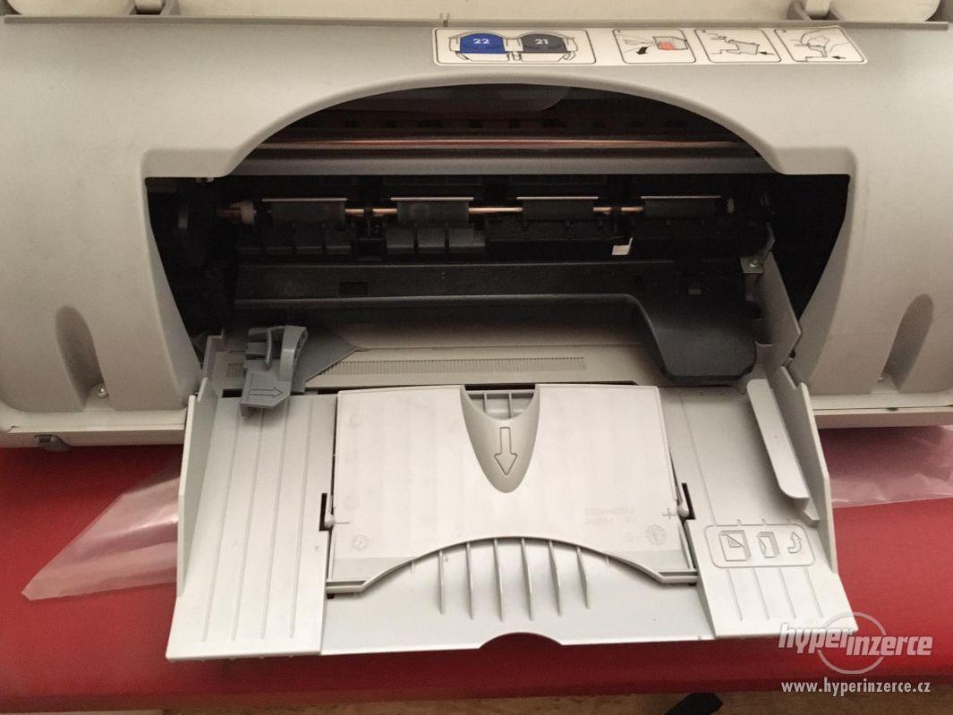 tisk HP Deskjet 3940 - sleva - foto 1